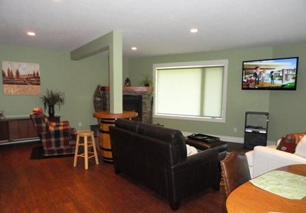 Large Livingroom Area